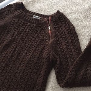 American eagle zipper detail sweater